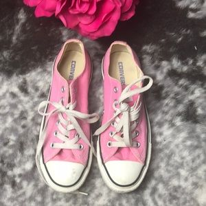 Converse Shoes - Pre-Owned Pink Low Top Converse Sneakers